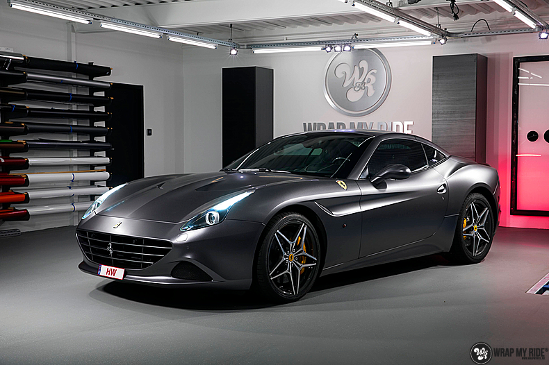 Ferrari California satin dark grey, Carwrapping door Wrapmyride.nu Foto-nr:13835, ©2021