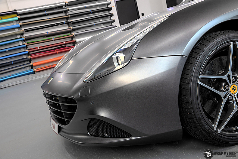 Ferrari California satin dark grey, Carwrapping door Wrapmyride.nu Foto-nr:13838, ©2021