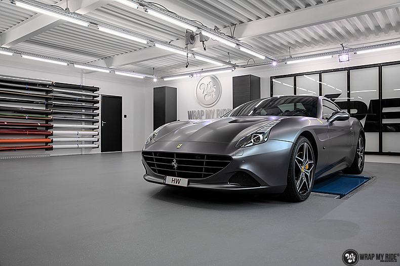 Ferrari California satin dark grey, Carwrapping door Wrapmyride.nu Foto-nr:13832, ©2021