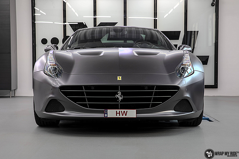 Ferrari California satin dark grey, Carwrapping door Wrapmyride.nu Foto-nr:13839, ©2021