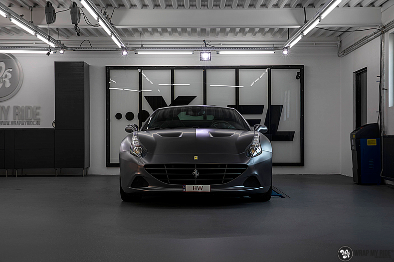 Ferrari California satin dark grey, Carwrapping door Wrapmyride.nu Foto-nr:13840, ©2021