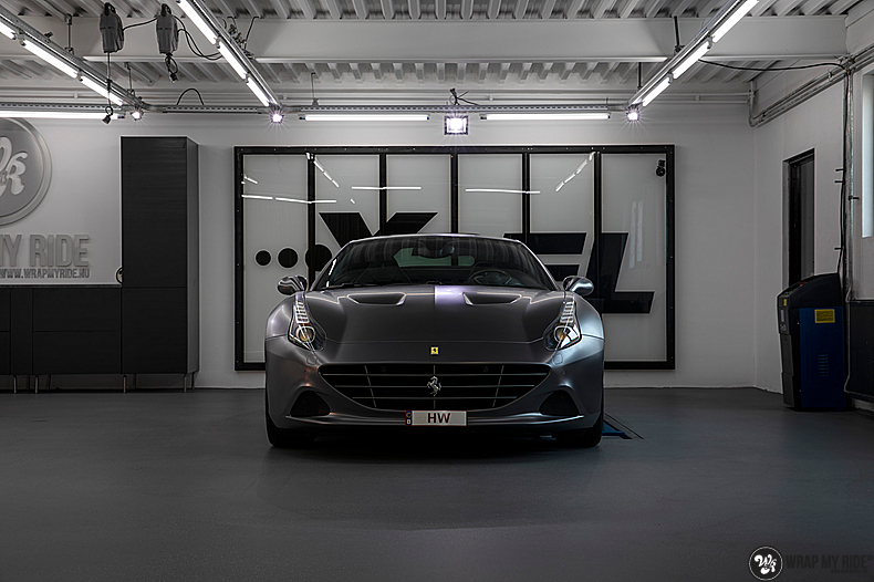 Ferrari California satin dark grey, Carwrapping door Wrapmyride.nu Foto-nr:13833, ©2021