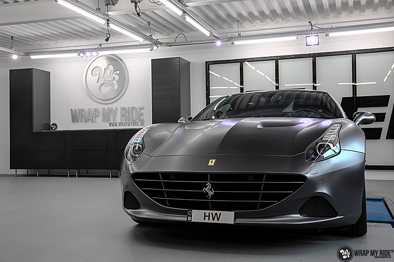 Ferrari California satin dark grey, Carwrapping door Wrapmyride.nu Foto-nr:13848, ©2021