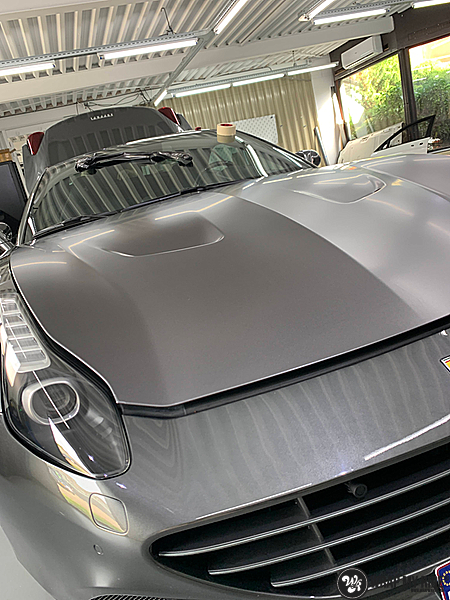 Ferrari California satin dark grey, Carwrapping door Wrapmyride.nu Foto-nr:13849, ©2021