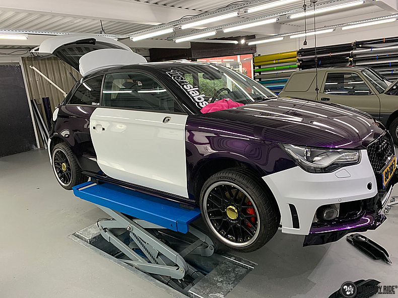 Audi A1 inozotec midnight purple, Carwrapping door Wrapmyride.nu Foto-nr:13712, ©2021