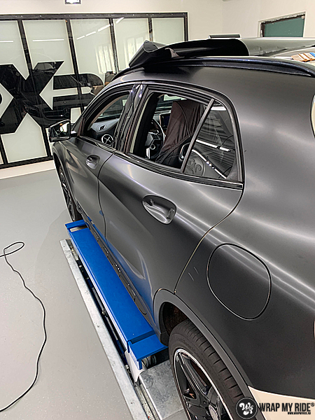 mercedes GLA Satin Black, Carwrapping door Wrapmyride.nu Foto-nr:13352, ©2021