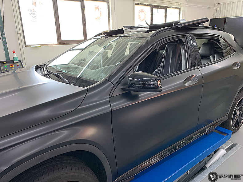 mercedes GLA Satin Black, Carwrapping door Wrapmyride.nu Foto-nr:13348, ©2021
