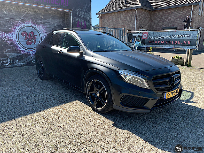 mercedes GLA Satin Black, Carwrapping door Wrapmyride.nu Foto-nr:13336, ©2021