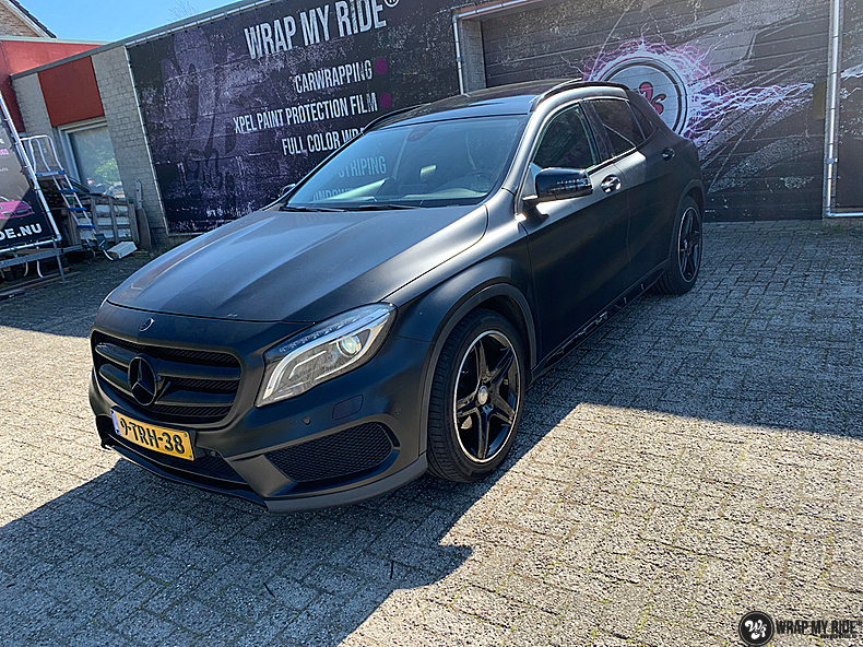 mercedes GLA Satin Black, Carwrapping door Wrapmyride.nu Foto-nr:13335, ©2021