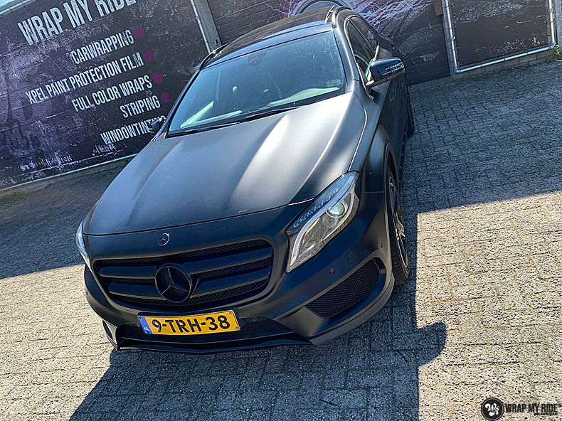 mercedes GLA Satin Black, Carwrapping door Wrapmyride.nu Foto-nr:13334, ©2021
