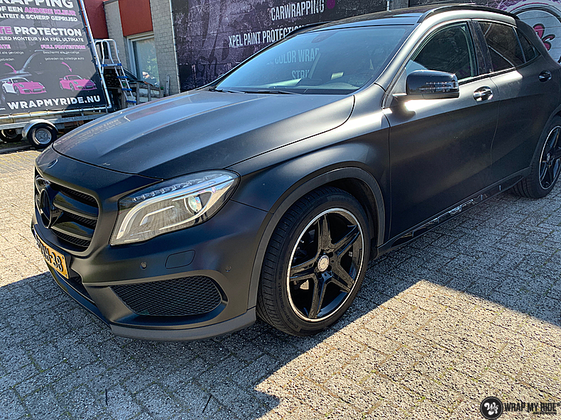 mercedes GLA Satin Black, Carwrapping door Wrapmyride.nu Foto-nr:13332, ©2021