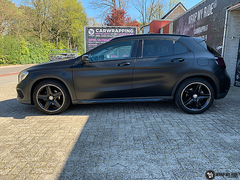 mercedes GLA Satin Black, Carwrapping door Wrapmyride.nu Foto-nr:13331, ©2021