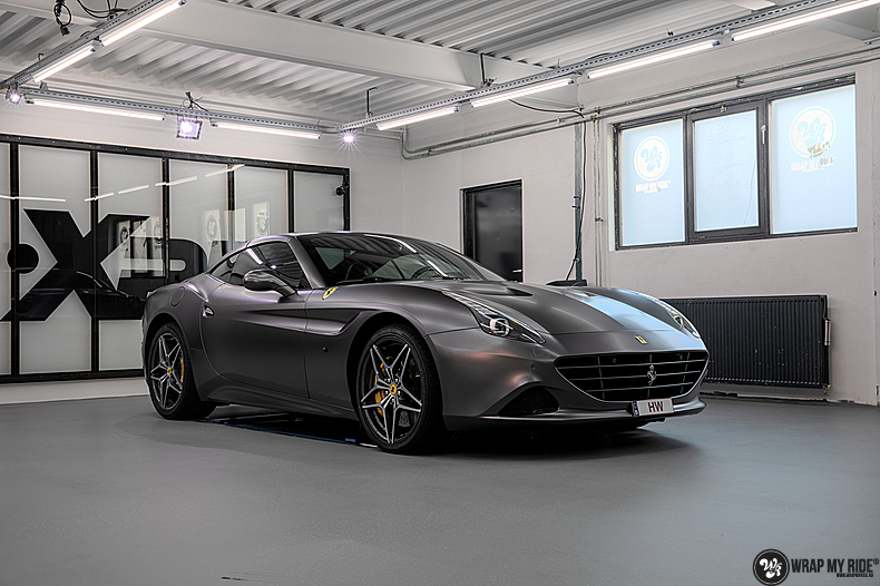 Ferrari California satin dark grey, Carwrapping door Wrapmyride.nu Foto-nr:13863, ©2021