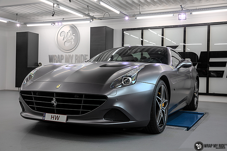 Ferrari California satin dark grey, Carwrapping door Wrapmyride.nu Foto-nr:13865, ©2021