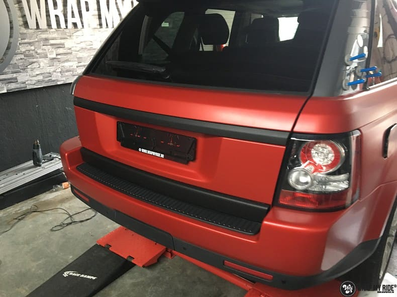 Range Rover Sport in Smoldering Satin Red, Carwrapping door Wrapmyride.nu Foto-nr:10323, ©2021