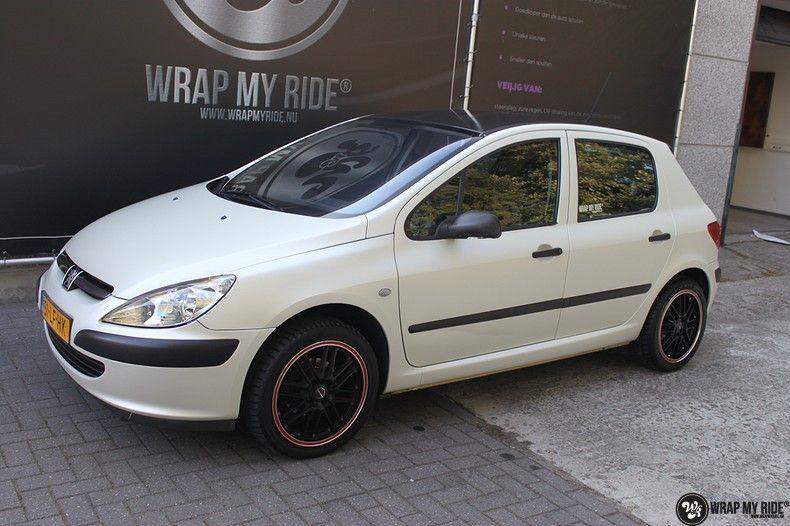 Peugeot 307 3m satin white pearl, Carwrapping door Wrapmyride.nu Foto-nr:11701, ©2021
