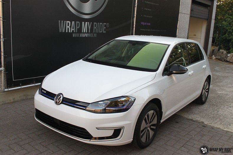 vw e-golf 3m glosse white gold sparkle, Carwrapping door Wrapmyride.nu Foto-nr:11733, ©2021