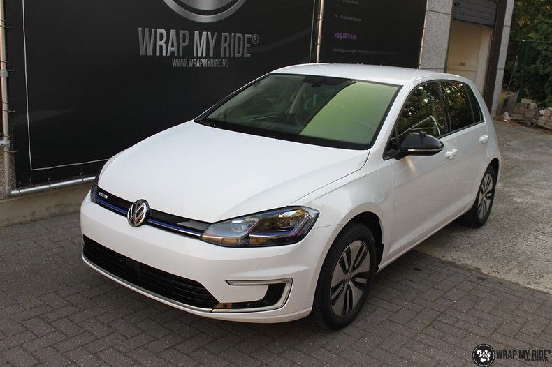 vw e-golf 3m glosse white gold sparkle, Carwrapping door Wrapmyride.nu Foto-nr:11732, ©2021