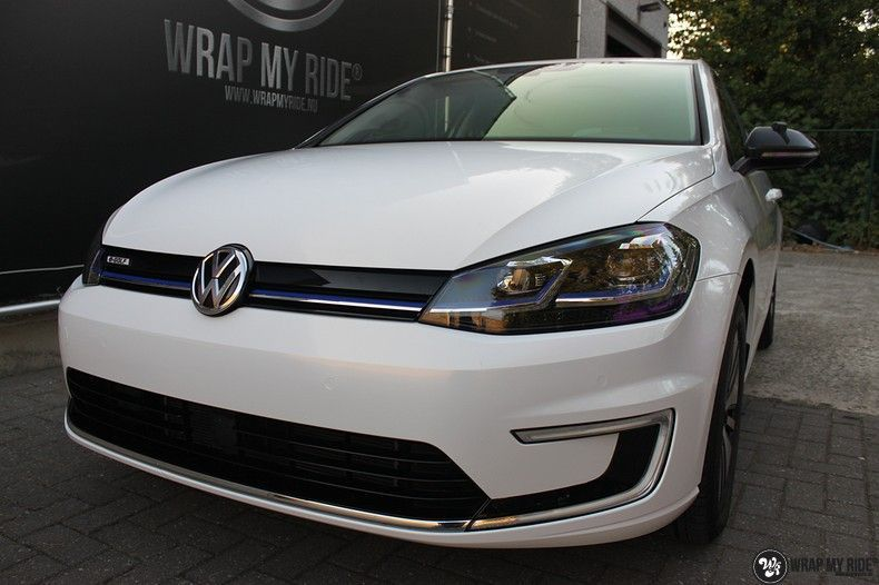 vw e-golf 3m glosse white gold sparkle, Carwrapping door Wrapmyride.nu Foto-nr:11731, ©2021