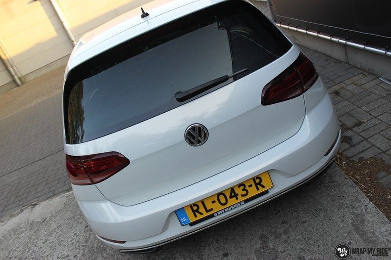 vw e-golf 3m glosse white gold sparkle, Carwrapping door Wrapmyride.nu Foto-nr:11727, ©2021