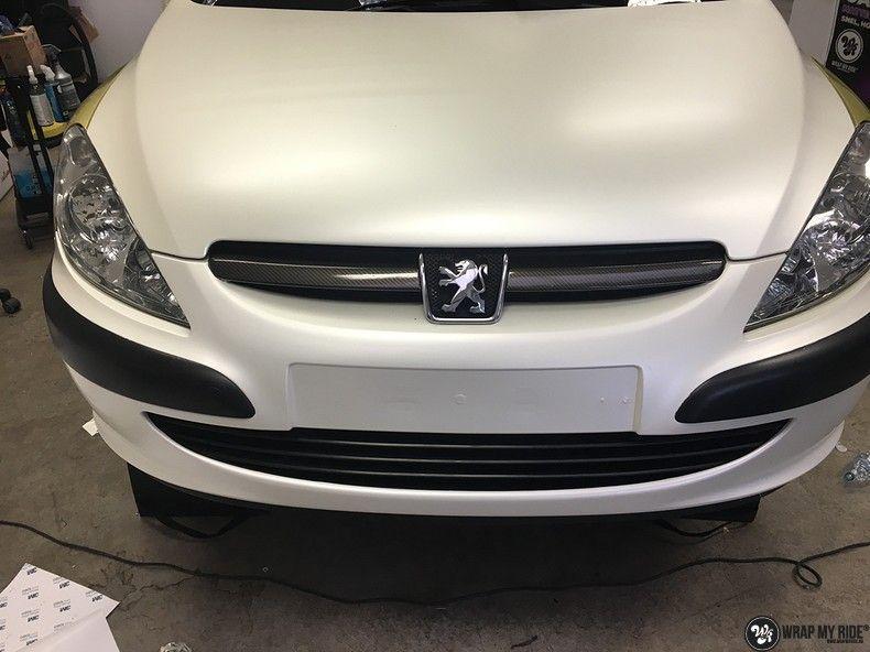 Peugeot 307 3m satin white pearl, Carwrapping door Wrapmyride.nu Foto-nr:11715, ©2021