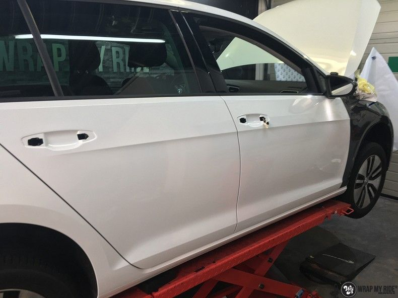 vw e-golf 3m glosse white gold sparkle, Carwrapping door Wrapmyride.nu Foto-nr:11753, ©2021