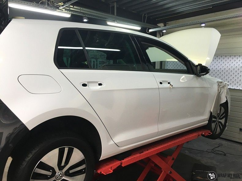 vw e-golf 3m glosse white gold sparkle, Carwrapping door Wrapmyride.nu Foto-nr:11744, ©2021