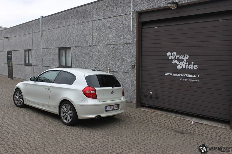 BMW 1-serie 3M Satin Pearl White, Carwrapping door Wrapmyride.nu Foto-nr:9041, ©2021