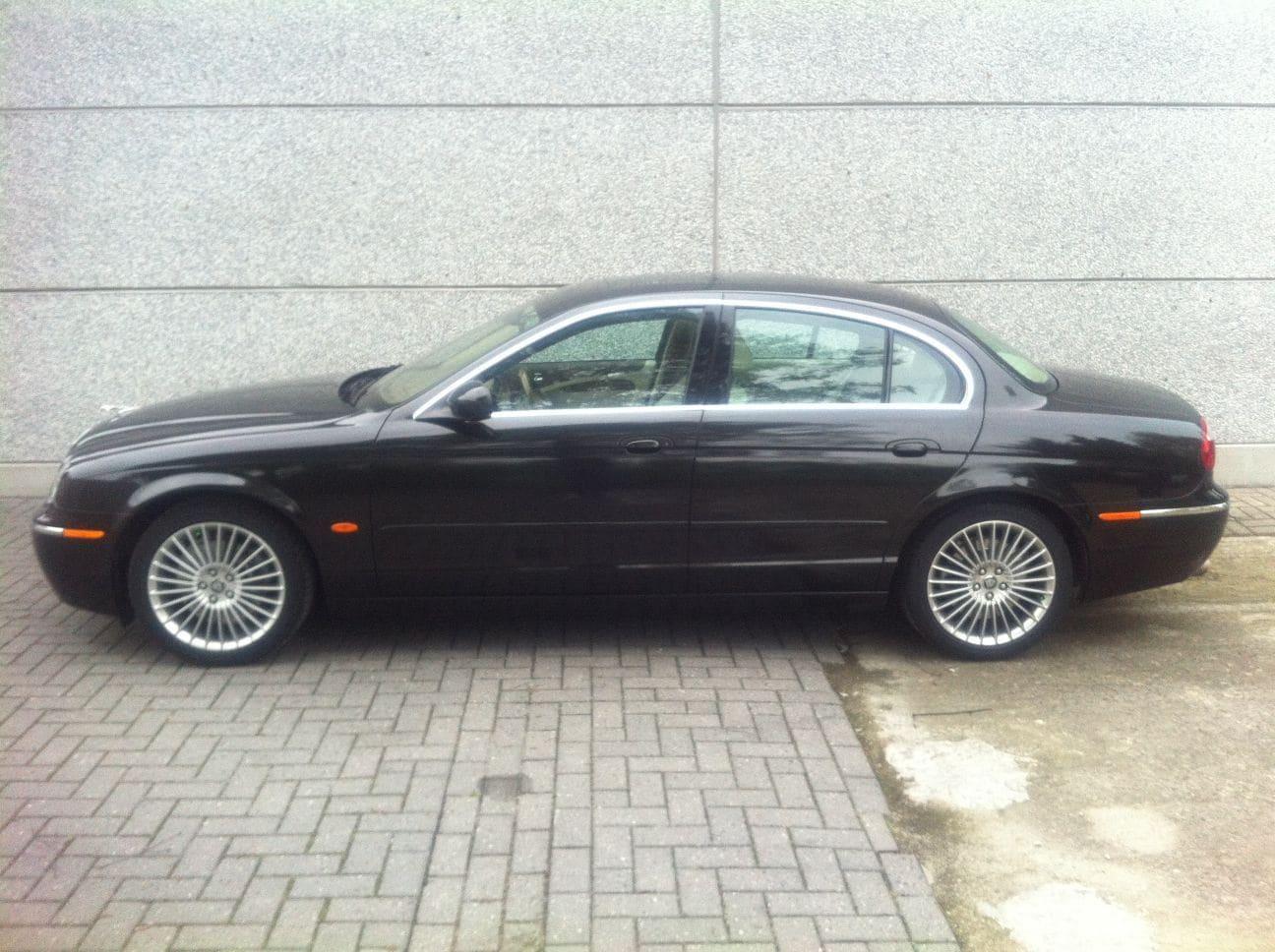 Jaguar S-type met Zwarte Metallic Wrap, Carwrapping door Wrapmyride.nu Foto-nr:5907, ©2021