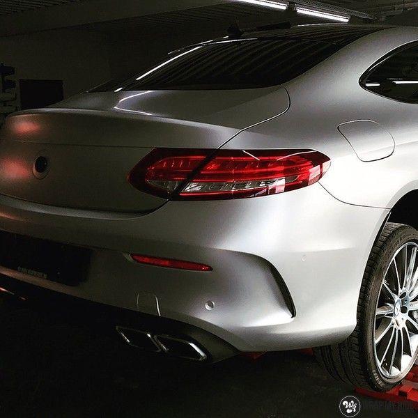 Mercedes C-coupe satin white aluminium, Carwrapping door Wrapmyride.nu Foto-nr:12705, ©2021