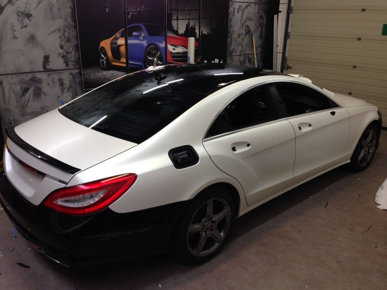 Mercedes CLS met White Satin Pearl Wrap, Carwrapping door Wrapmyride.nu Foto-nr:6179, ©2021