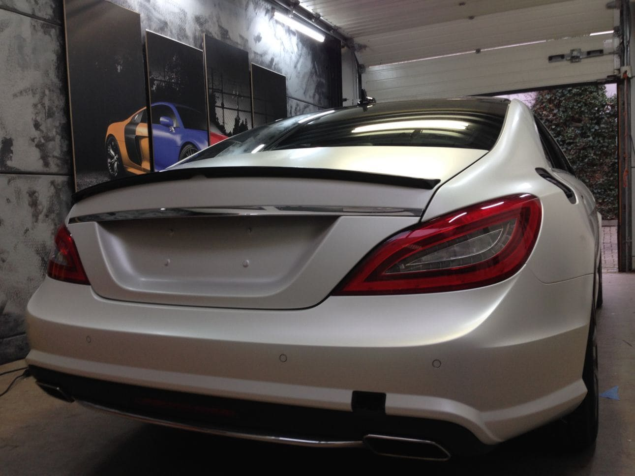 Mercedes CLS met White Satin Pearl Wrap, Carwrapping door Wrapmyride.nu Foto-nr:6185, ©2021