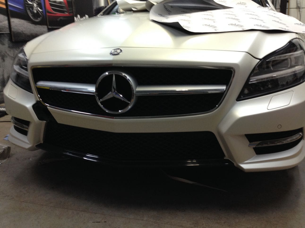 Mercedes CLS met White Satin Pearl Wrap, Carwrapping door Wrapmyride.nu Foto-nr:6186, ©2021