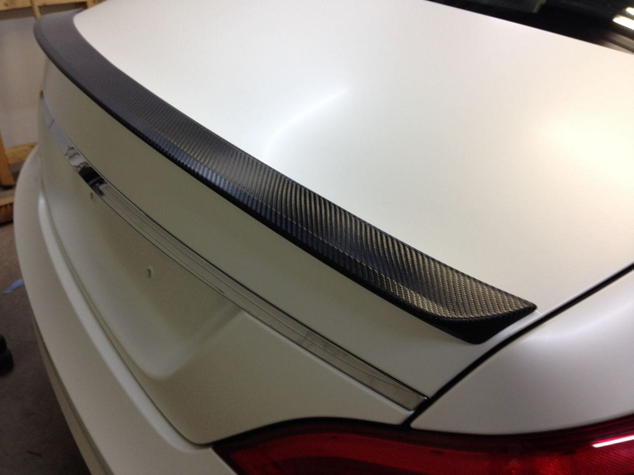 Mercedes CLS met White Satin Pearl Wrap, Carwrapping door Wrapmyride.nu Foto-nr:6192, ©2021