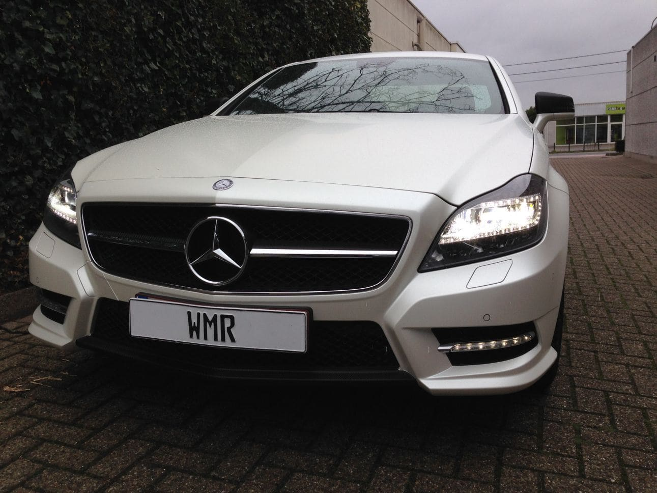 Mercedes CLS met White Satin Pearl Wrap, Carwrapping door Wrapmyride.nu Foto-nr:6203, ©2021