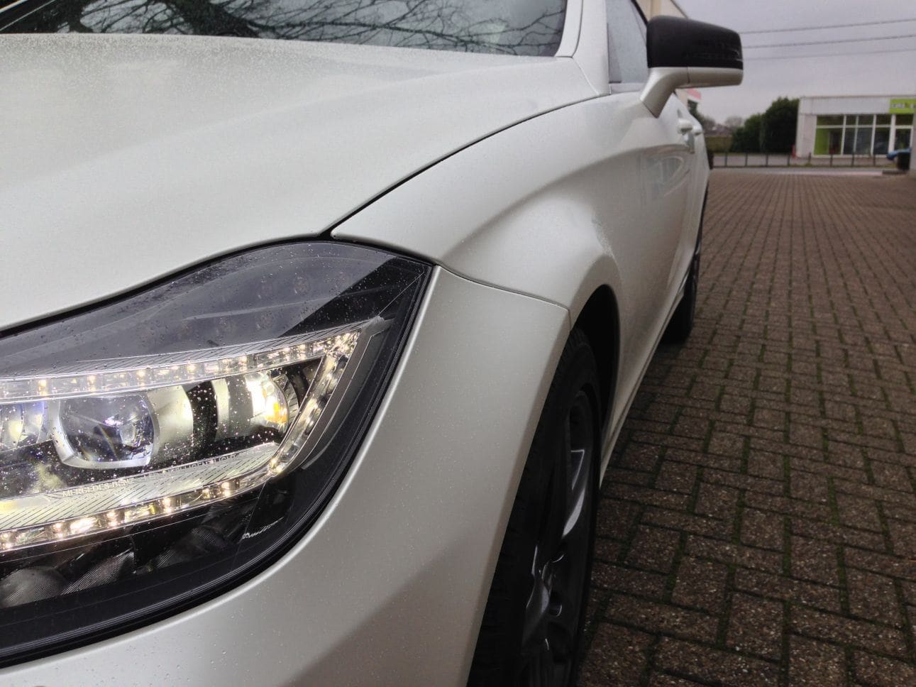 Mercedes CLS met White Satin Pearl Wrap, Carwrapping door Wrapmyride.nu Foto-nr:6210, ©2021