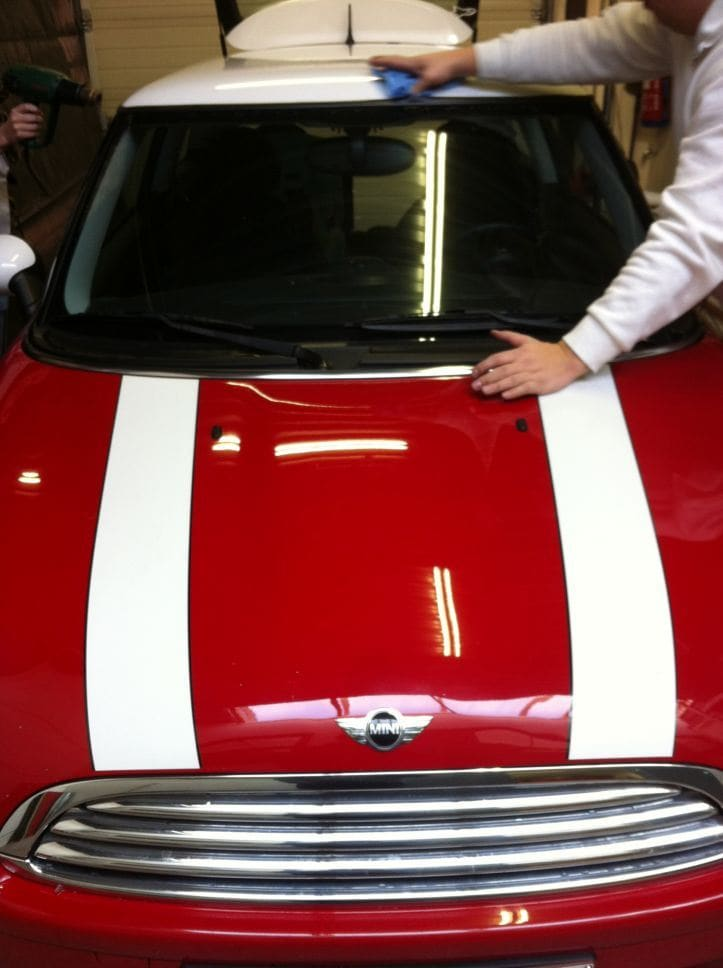 Mini Dak Zwart Gewrapt, Carwrapping door Wrapmyride.nu Foto-nr:6422, ©2021
