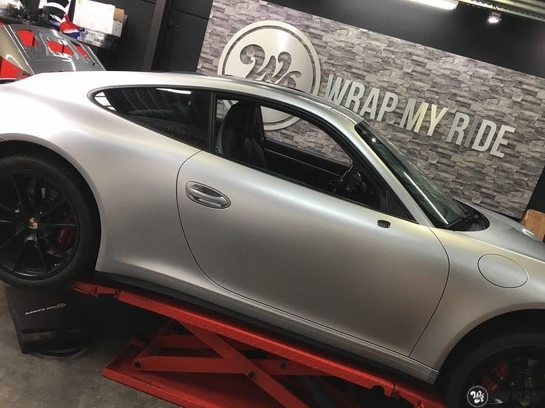 Porsche 997 Satin White Aluminium, Carwrapping door Wrapmyride.nu Foto-nr:9675, ©2021