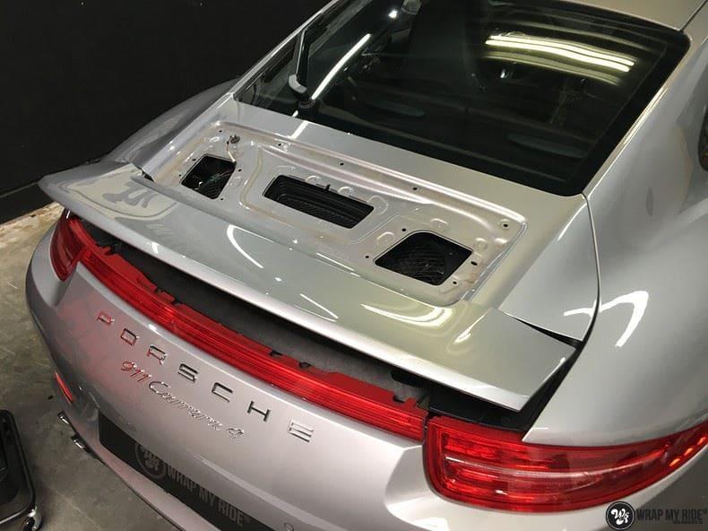 Porsche 997 Satin White Aluminium, Carwrapping door Wrapmyride.nu Foto-nr:9677, ©2021