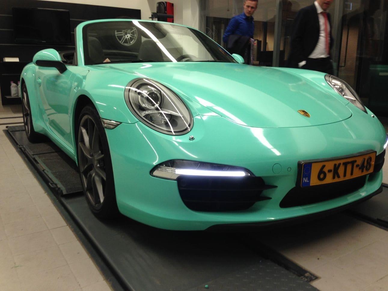 Porsche Carrera Turbo S Cabrio met Mint Green Wrap, Carwrapping door Wrapmyride.nu Foto-nr:6739, ©2021