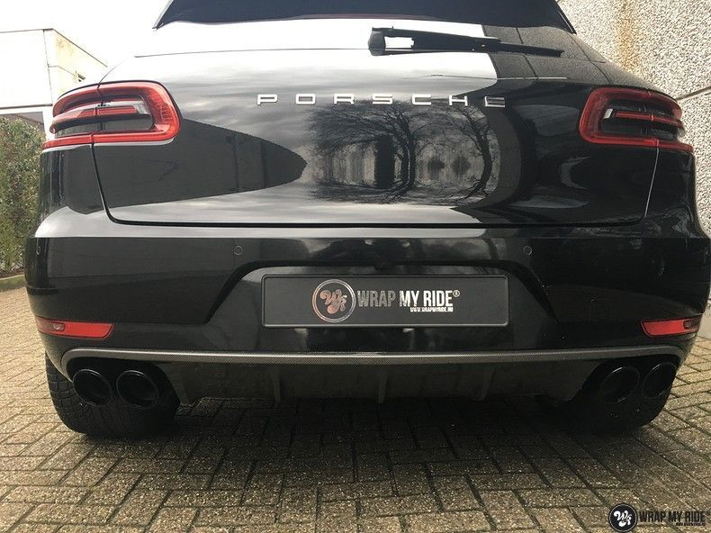Porsche Macan Carbon accenten, Carwrapping door Wrapmyride.nu Foto-nr:10820, ©2021