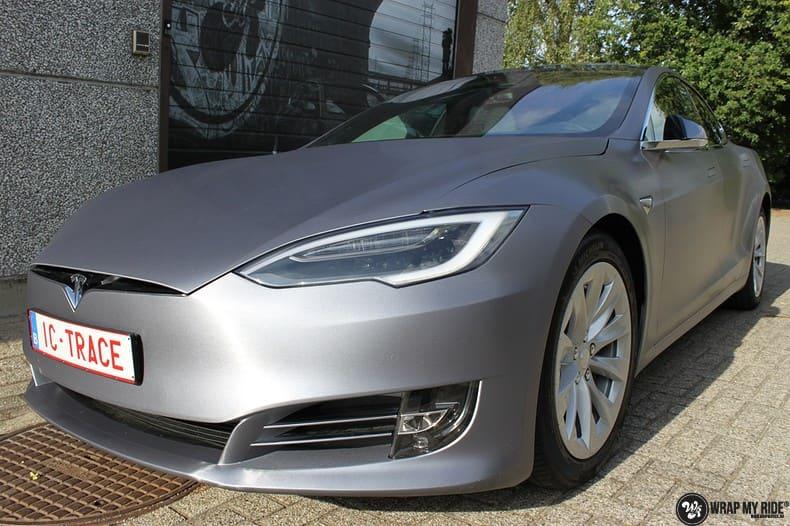 Tesla Model S brushed steel, Carwrapping door Wrapmyride.nu Foto-nr:9950, ©2021