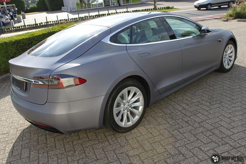 Tesla Model S brushed steel, Carwrapping door Wrapmyride.nu Foto-nr:9933, ©2021