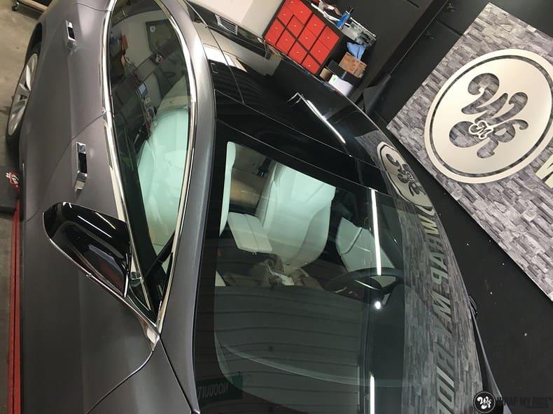 Tesla Model S brushed steel, Carwrapping door Wrapmyride.nu Foto-nr:9953, ©2021