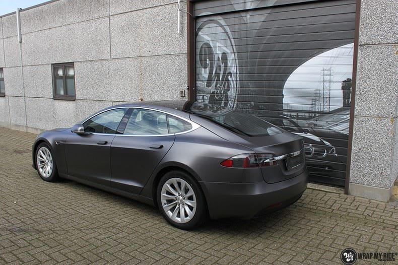 Tesla Model S Satin Dark Grey, Carwrapping door Wrapmyride.nu Foto-nr:9591, ©2021